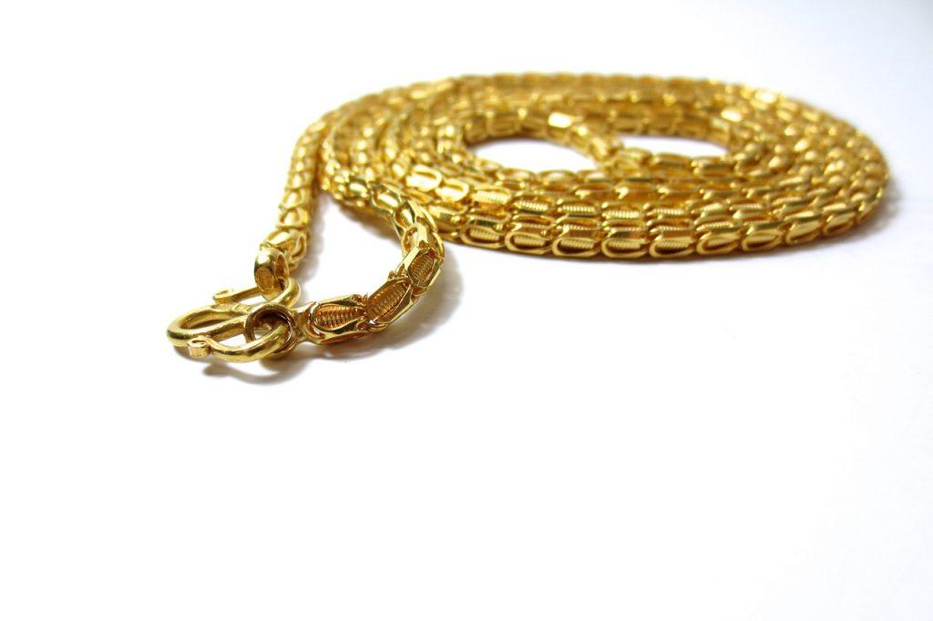 金のネックレスを使った復縁おまじない