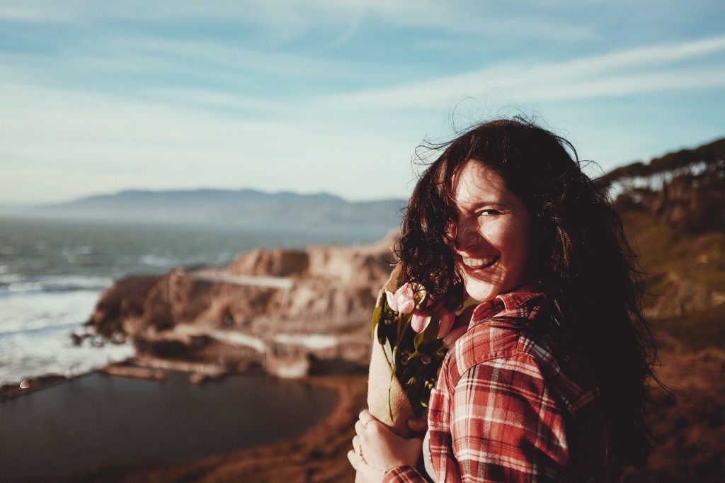 11:失恋を乗り越え、明るく過ごしている姿を見せる