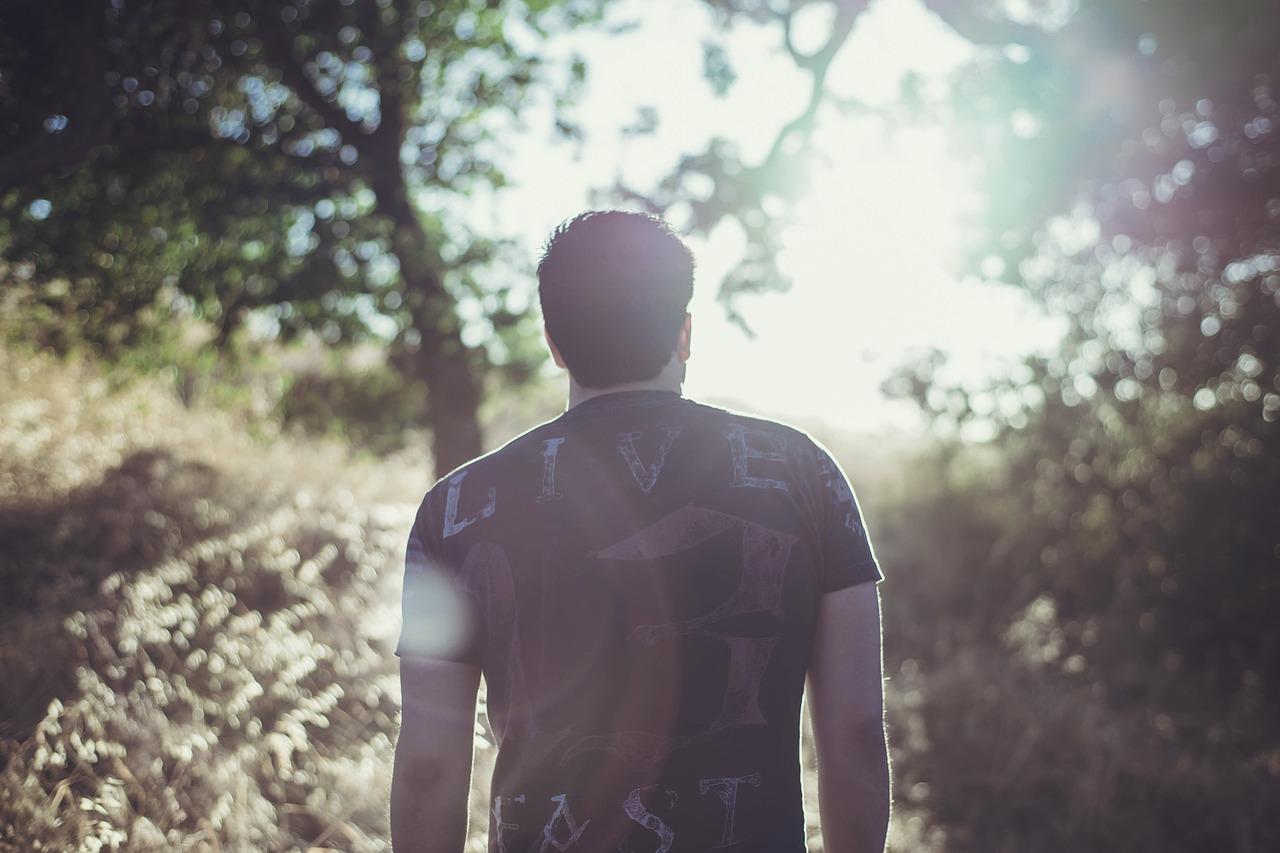 男性の心は別れて半年の間に変化する