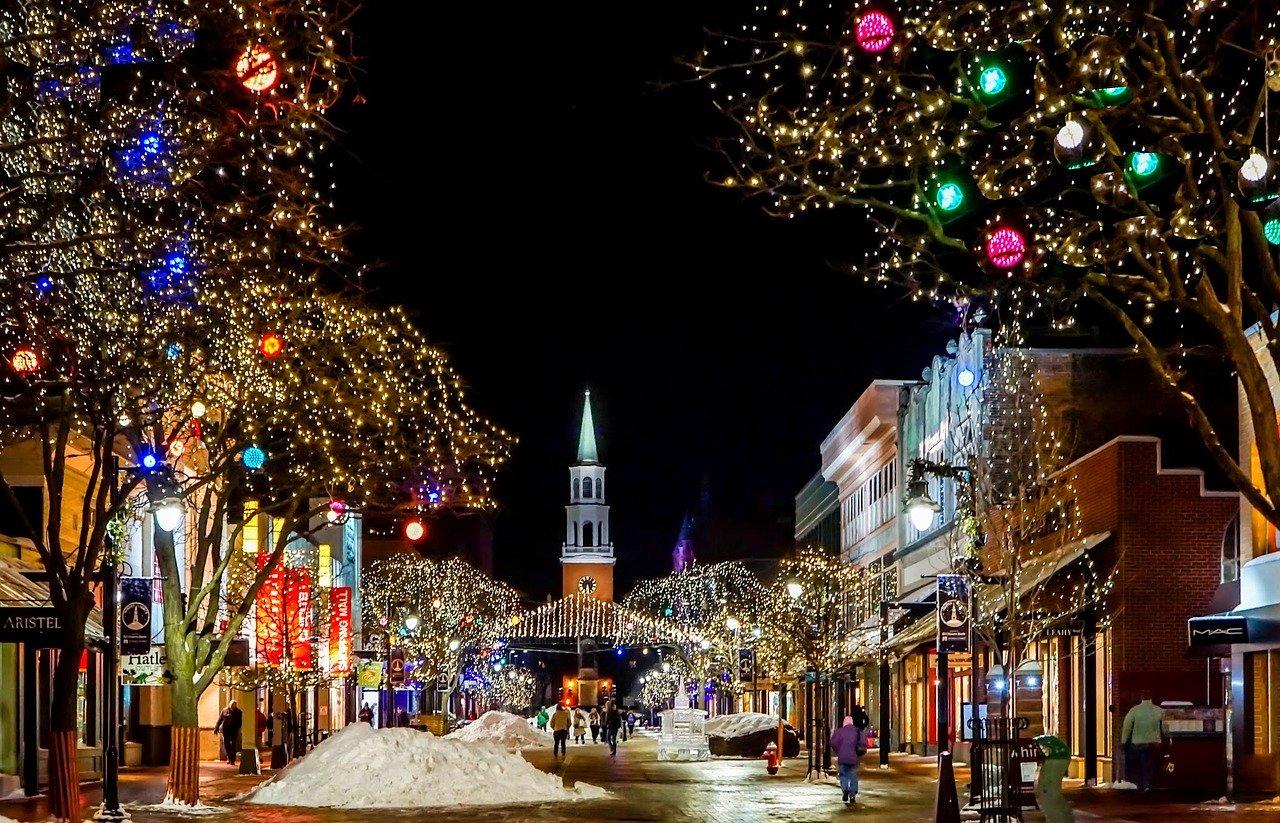 クリスマスを元カレと過ごすのは、復縁する絶好のチャンス!でも誘うことにはリスクもある。