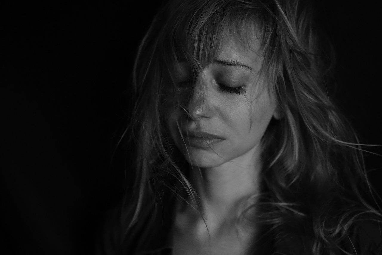 失恋で傷ついた心を癒すための行動とは