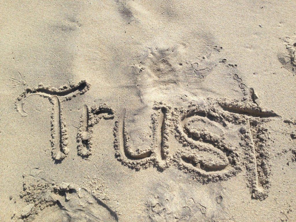 恋愛関係に戻る前に信頼を得ましょう