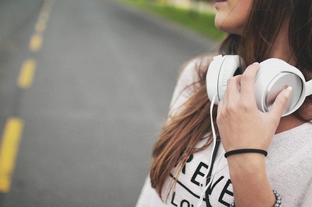 失恋した人が心を慰めてきた名作失恋ソング